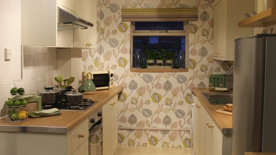 replacement kitchen doors & A 60 minute makeover with replacement kitchen doors from Hot Doors