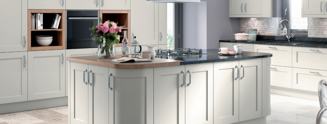 Our Top Ranges For Creating A Traditional Kitchen Design Hot Doors - Light grey kitchen doors